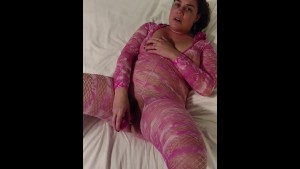 Becky goes solo with her 7.5 in. pink vibrator....