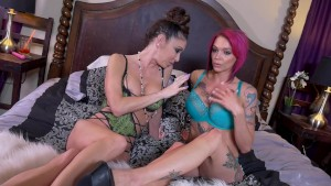 Anna Bell Peaks and Jessica Jaymes lesbian sex show.!