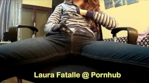 Step sister caught masturbating while watching porn dont tell daddy - Laura