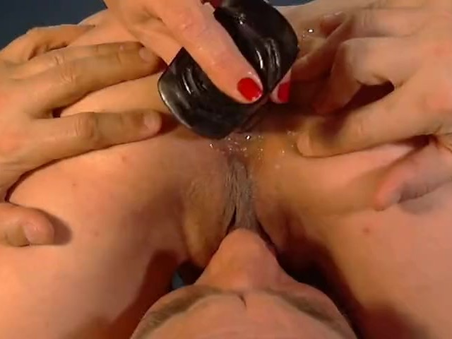 Guy Fingering Ass Pussy