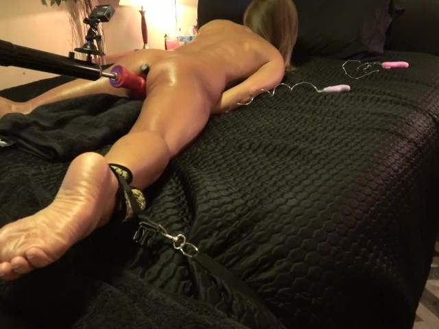image Hot amateur breaks restraint fucking 3 headed dildo on fuck machine