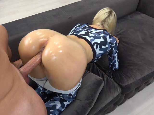 Sporty Teen With Oily Anal Gets Huge Load on Ass / Grinding in Yoga Pants