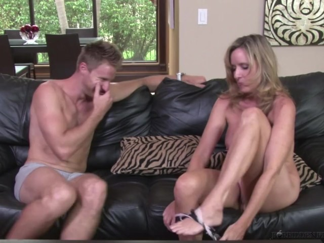Jodi West Fuck Stepson Levi Cash After Losing Bet During -4566