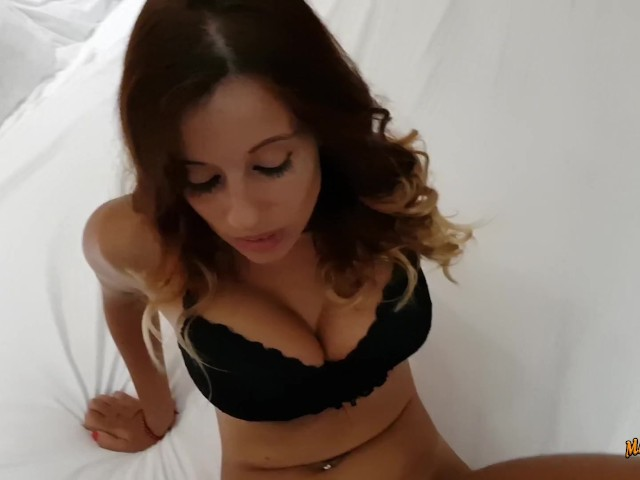 Anal in a Tinder Date at a Hotel With a Busty Teen Girl