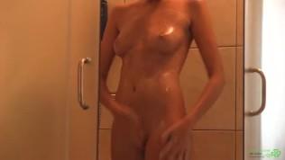 Katya Clover – Shower