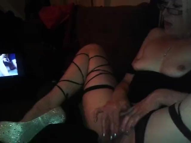 Amateur Female Orgasm Solo