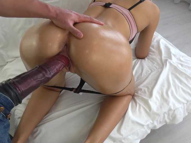Tiny Teen Fucked by Huge Horse Cock - Massive (中出)creampie - Carry Light - Free Porn Videos