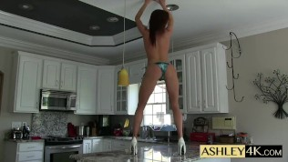 Bikini Dance Strip Ashley Sinclair