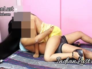 Steaming hot Desi Bhabhi Chudai Hindi Hot Film