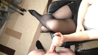 Amateur Teen Secretary Hadnjob And Cum On Her Pantyhose