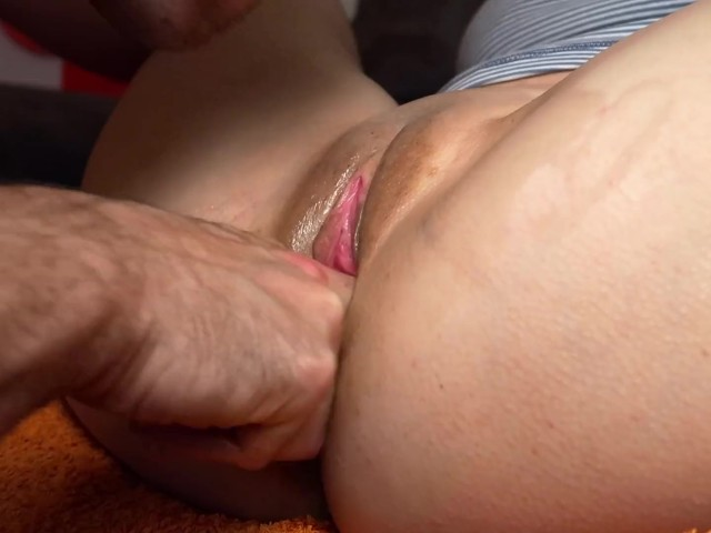 Close Up Wet Pussy Eating