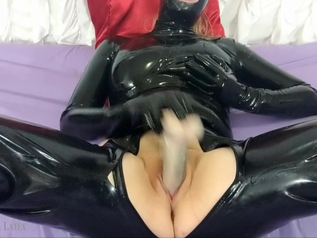 Cumming With Latex Glove Fingering, My Biggest Buttplug, & Thickest Dildo!