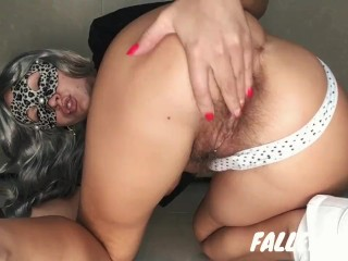 HAIRY STUDENT HAVING FUN WITH HER STRETCHED PUSSY