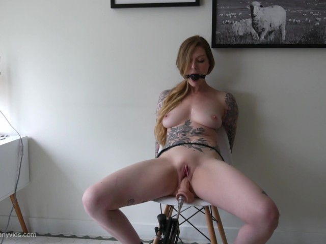 Hot Amateur Wife Threesome