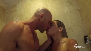 Hot Vacationing Couple Fuck Around in Public Pool and Shower!