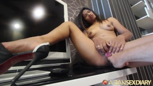 Asian Sex Diary XXX  ASIANSEXDIARY Hot Asian Teen Slides Big Dick In Creamy Pussy