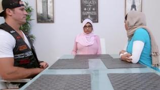 MIA KHALIFA – Arab Stepmom Julianna Vega Threesome With Sean Lawless