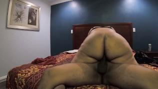 madura mexicana latina con un sabroso culo teniendo sexo con su hijo