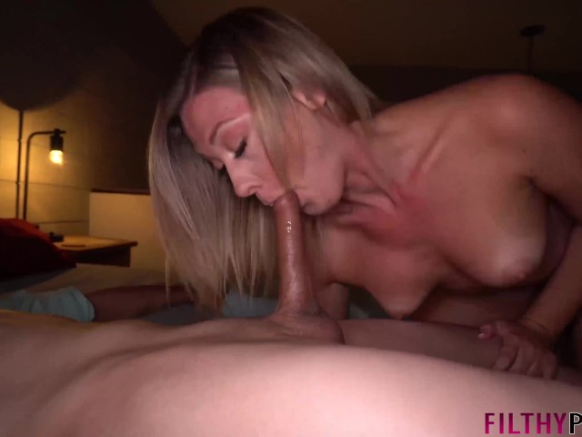Amateur Cuckold Pussy Licking