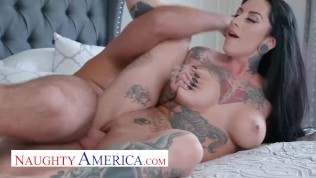 naughty america jessie lee screws a big cock