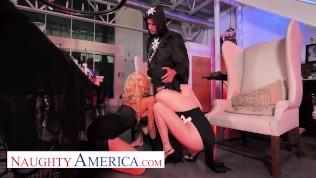 naughty america katie monroe and riley steele get slammed