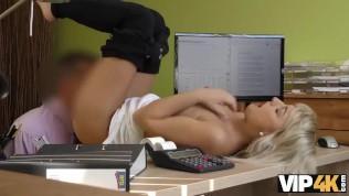vip4k die sexy blonde engelin katy rose übergibt gerne das schmutzige