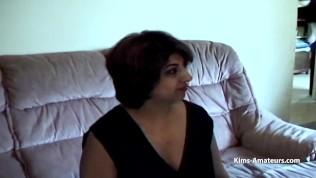 คลิปโป๊ คลิปหลุดอินเดีย XXX  Two guys play with a hot Indian wife