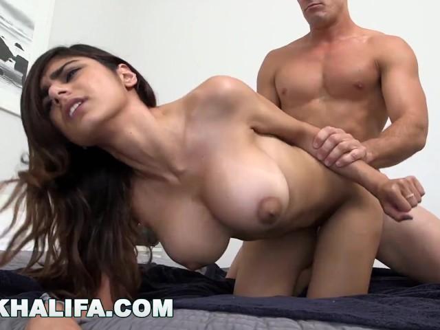 Mia Khalifa Gets Cummed