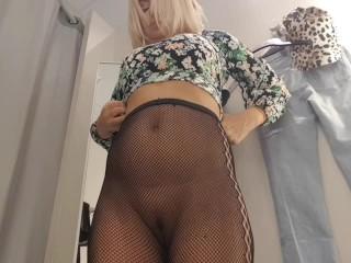 Public masturbation in changing room-Super hot girl