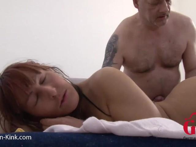 Pappa Weckt Mich Zärtlich Auf - Free Porn Videos - Cliporno