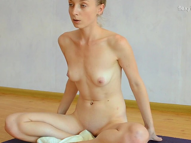 Spreading Legs and Pussy As Sexy Gymnast - Free Porn Videos - YouPorn