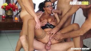 Scambisti Maturi – Hot Mature Housewife Gets Trapped In A Hardcore Gangbang