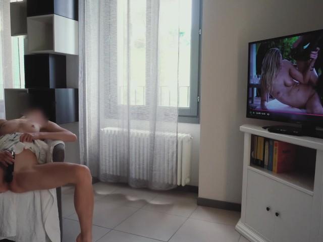 Girls Masturbate Watching Bbc