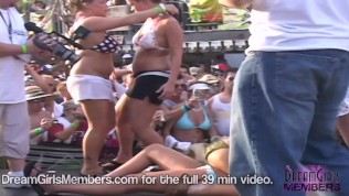 College Girls Get Naked For 1st Time In Wild Spring Break Contest