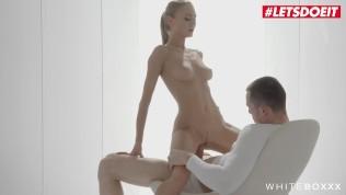 L'ukrainienne Nancy A se fait tendrement baiser – The White Boxxx
