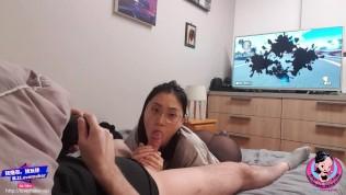 June Liu 刘玥 / SpicyGum – Chinese Teen Giving Blow Job To SexFriend While Playing Mario Kart (Asian)
