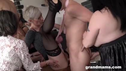 Amateur Schwarz Lesbisch Orgie