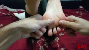 Feet massage with happy ending