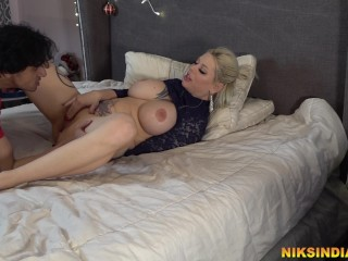 Huge Tits Stepsister disturbed her stepbrother so he fucked her rough and made her squirt