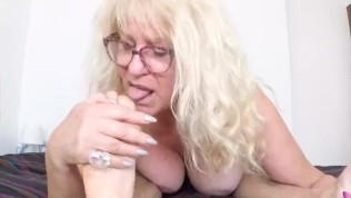 Blonde mature Fina experiences a great sex session