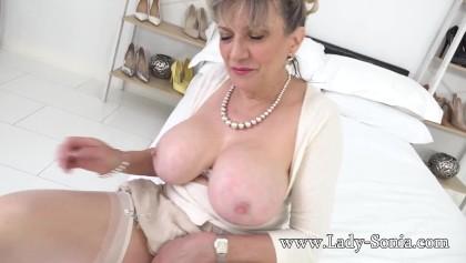 Porn lady sonya LADY SONIA